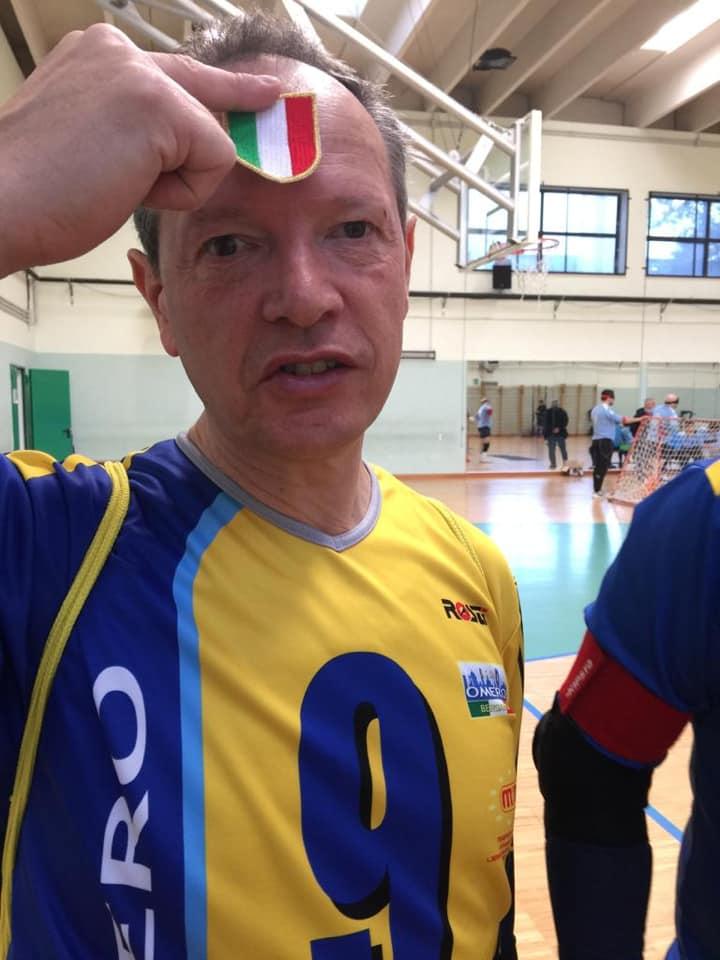Dario Merelli con scudetto Torball 2019/2020